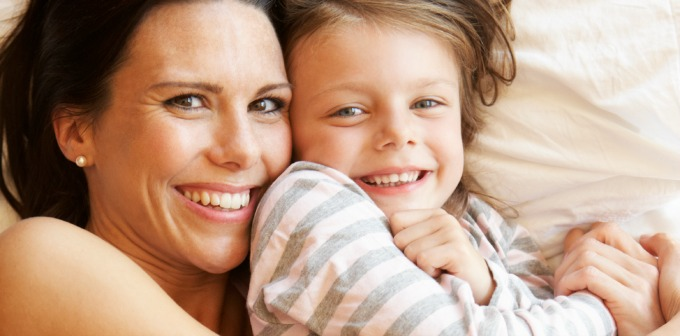 5 Quick Ways Moms Can Look Less Tired