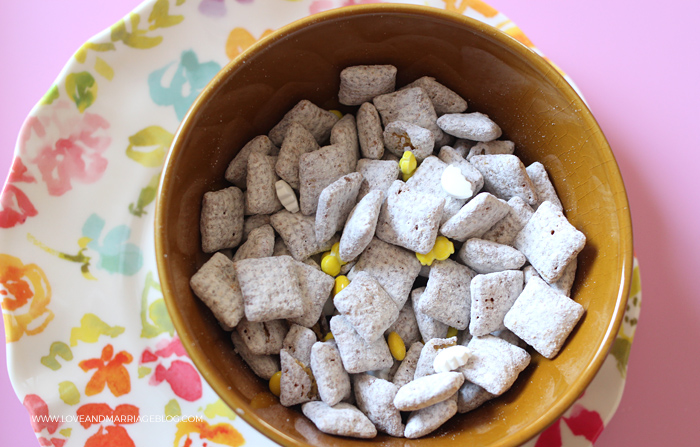 Spring Chick Muddy Buddies