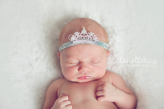 Tiny crown tiara for baby girl.