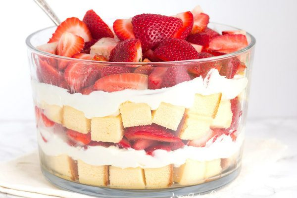 Strawberry Trifle Recipe | The BEST Strawberry Desserts Recipes