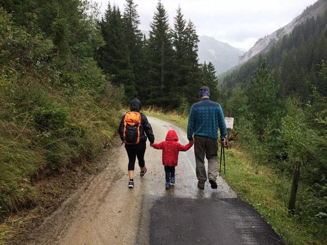 10 Nature Walk Activities Kids Will Love