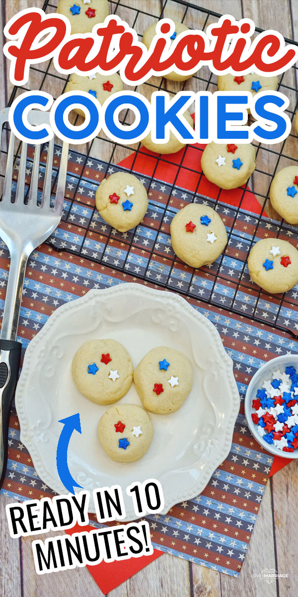 Patriotic Cookies are a super easy and festive sugar cookie recipe to make on Memorial Day or 4th of July. A few simple ingredients and ready in 10 minutes.
