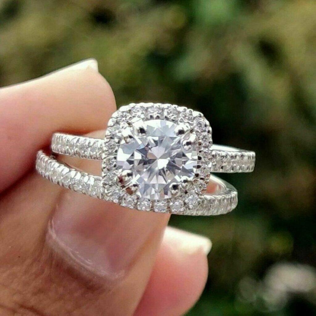 Moissanite wedding ring set