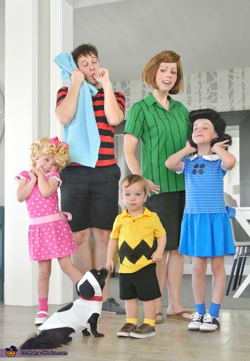 Peanuts Characters Family Costume - Charlie Brown and the whole gang.