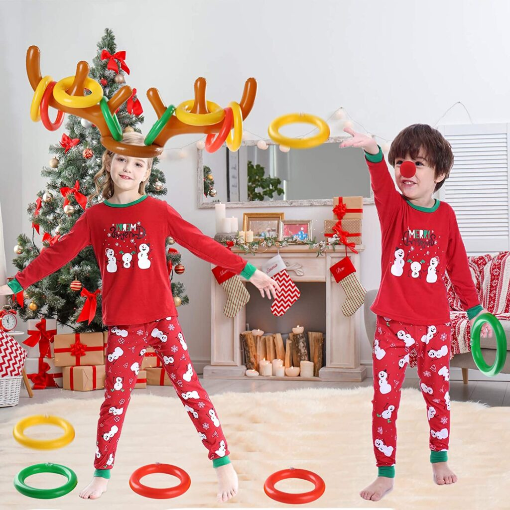 Reindeer Toss - The BEST Christmas Minute To Win It Games for kids and family. These are so much fun to play around the holidays. #christmas #family #fun #kids