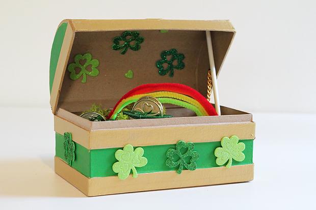 11 Fun Leprechaun Trap Ideas - these are the most fun DIY traps to make to finally catch a leprechaun! #leprechauntrap